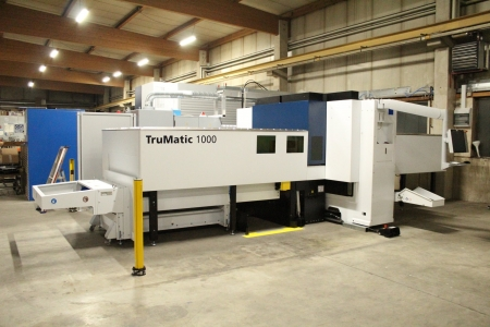 GERMANY >> unloading and assembly Trumatic 1000 Trumpf